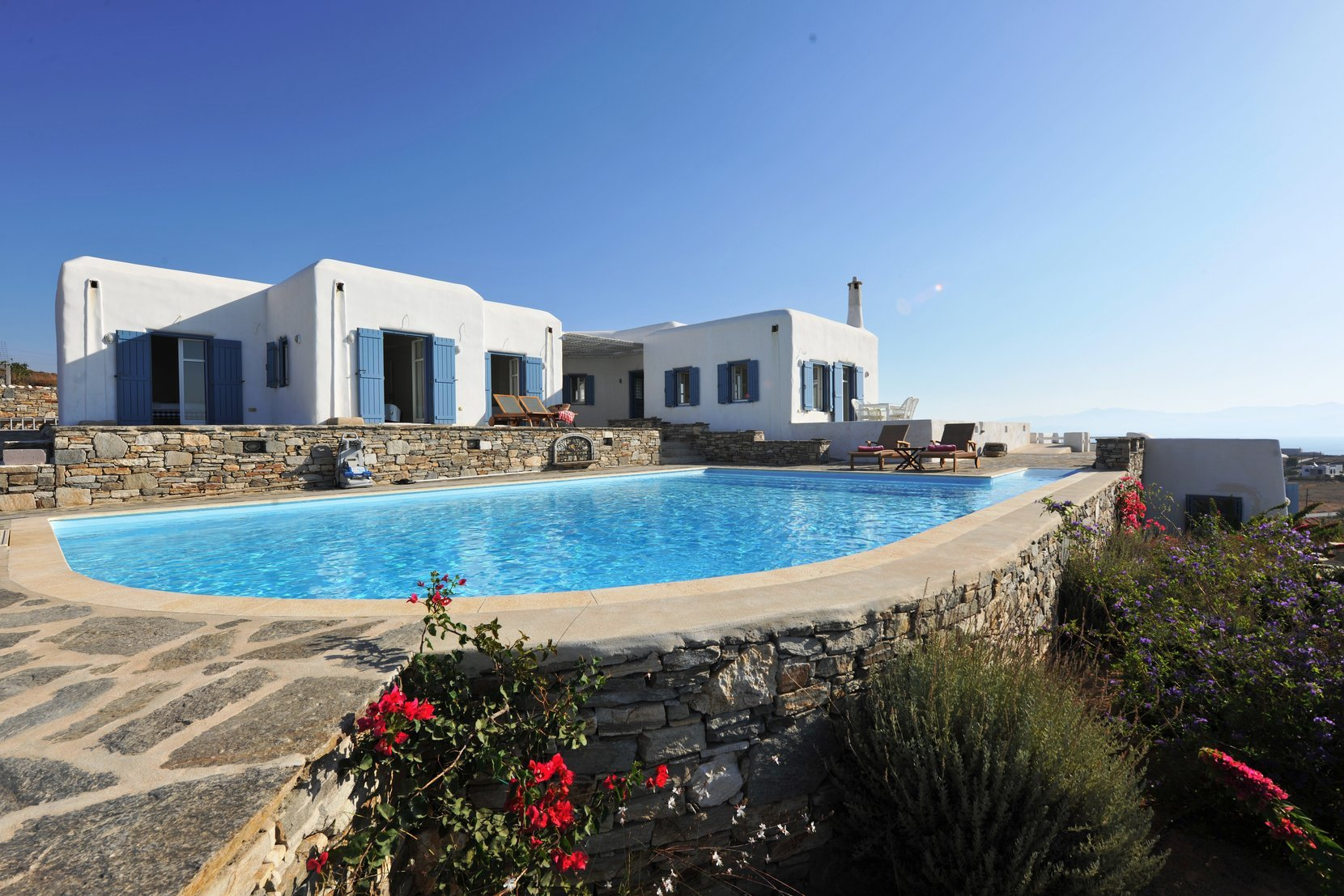 For sale DETACHED HOUSE 1.500.000€ PAROS - CHRYSI AKTI (code I-15282)