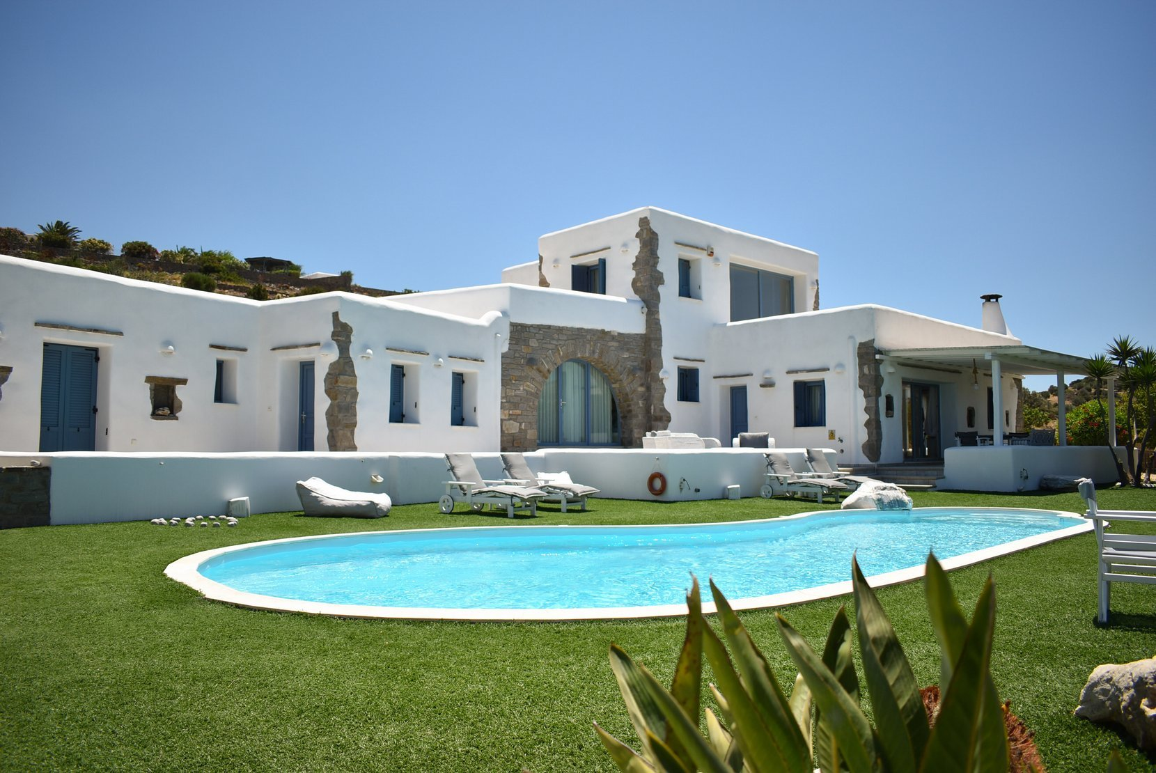 For sale DETACHED HOUSE 2.200.000€ PAROS - SOTIRES (code I-14652)